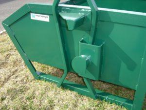 Caisse VISIBOX avec taurillons de déversement